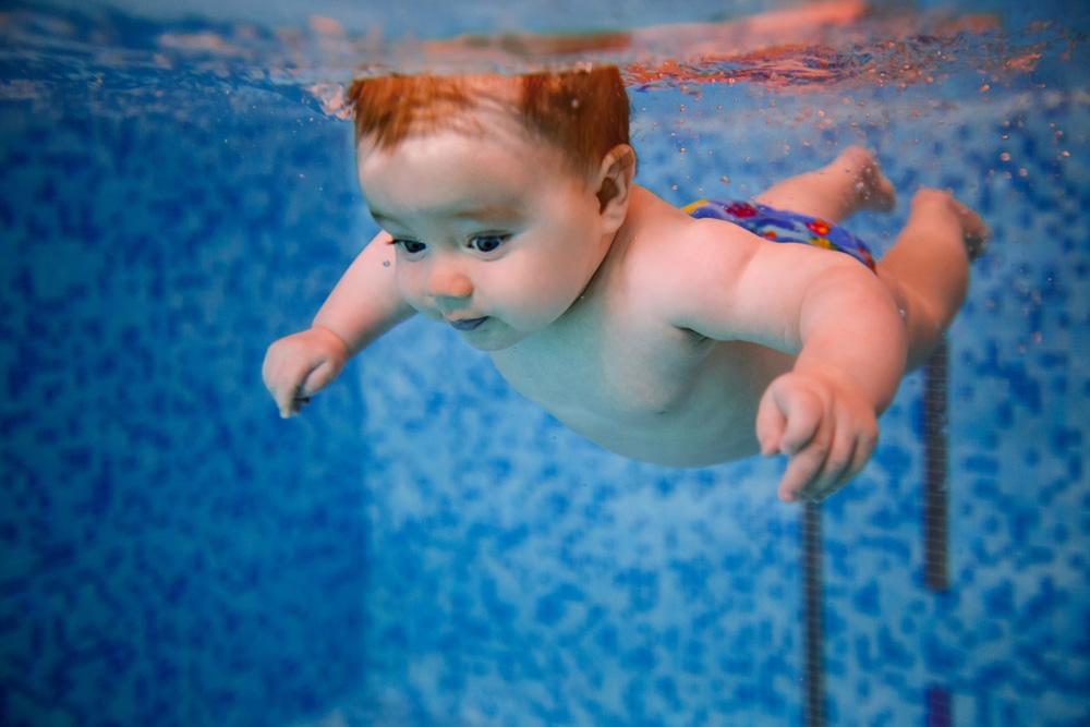 Плавание для грудничков - польза или вред