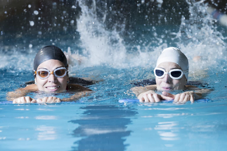 Сколько калорий тратится при плавании в бассейне